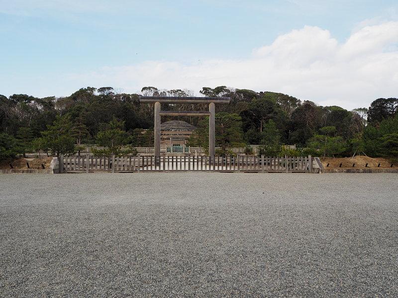 伏見城本丸跡(明治天皇陵)