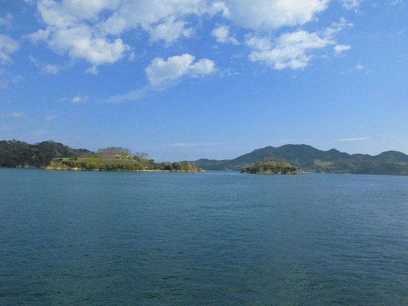 大島の県道49号線から眺める