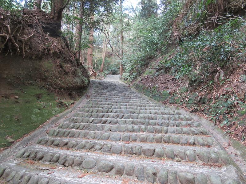 搦め手口からの登山道