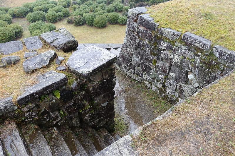 埋御門跡の階段