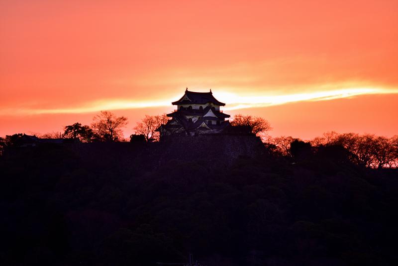 夕焼けの彦根城
