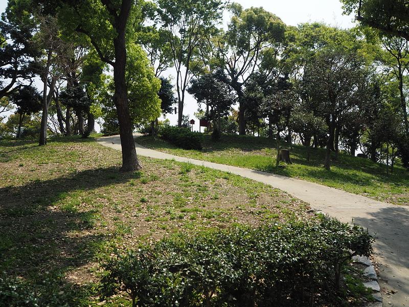 大塚城 茶臼山登山道(標高26m)
