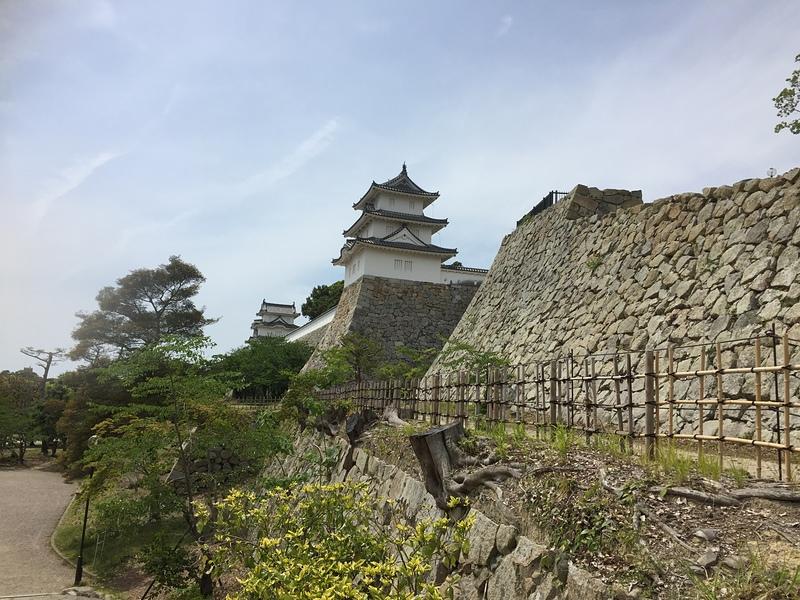坤櫓、巽櫓、そして石垣