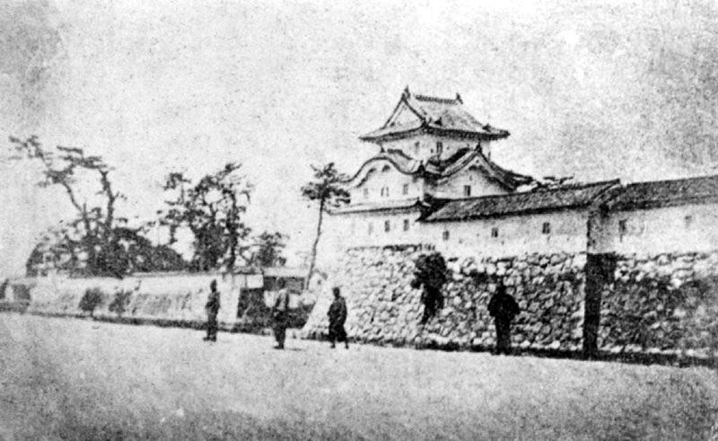 明治初年、廃城直前の尼崎城(野村小弓氏所蔵写真)