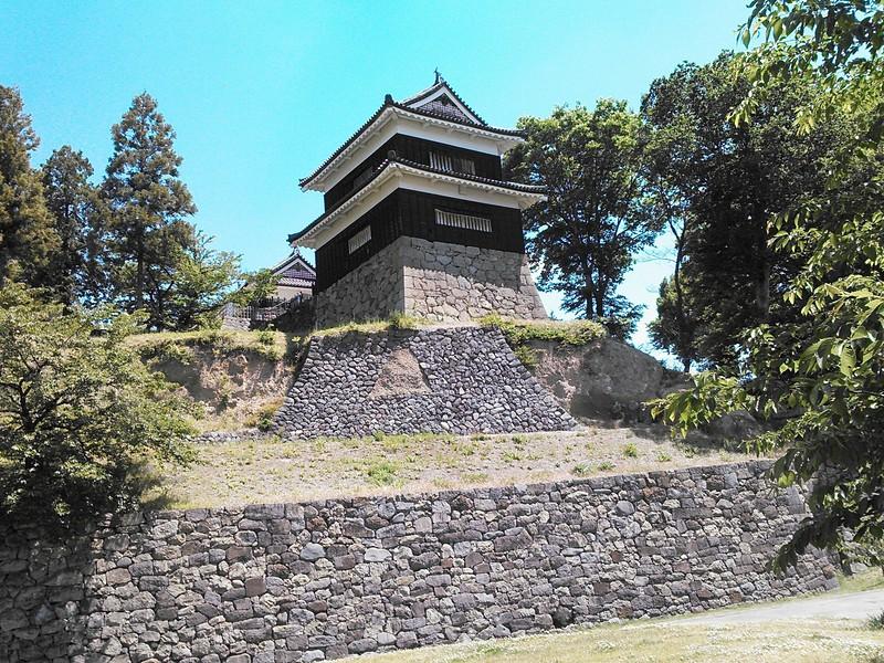 南櫓と必要によってつくられた石垣