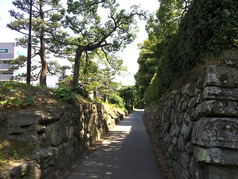 本丸東側の通路(南向き)