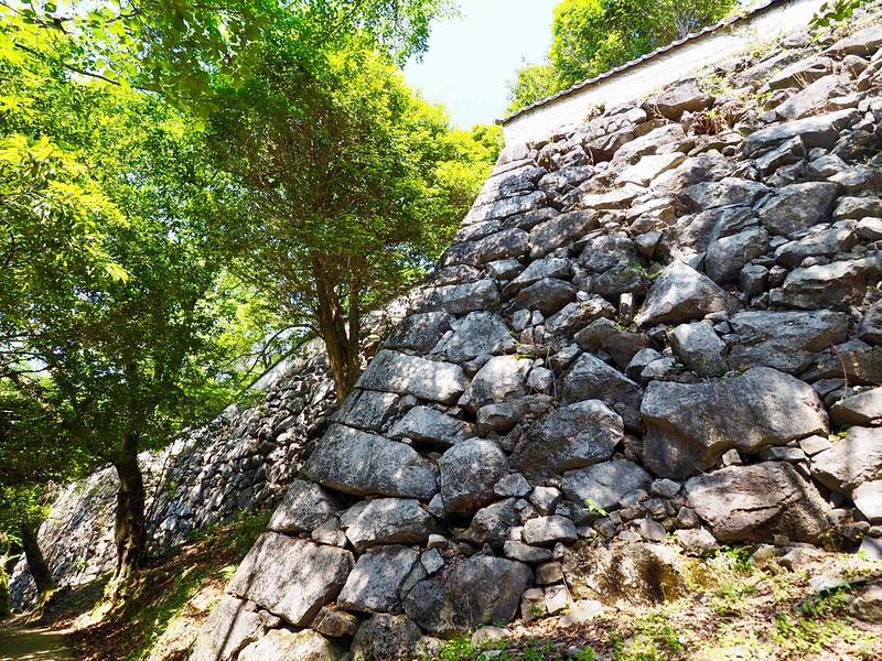 石垣と土塀