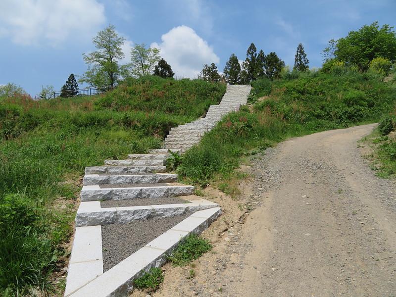 表門への石段