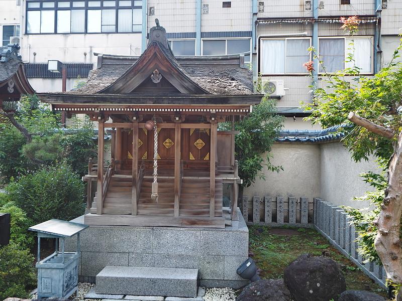 三姉妹神社