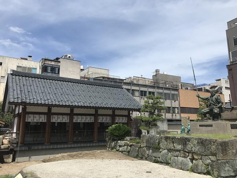 柴田勝家像と柴田神社