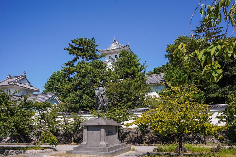 夏の大垣城