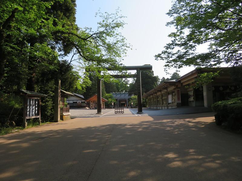 本丸跡(射水神社)