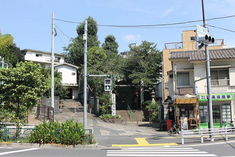 築土八幡神社