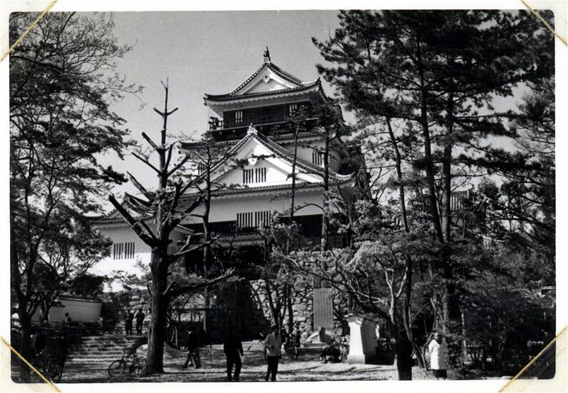 再建当時の岡崎城(撮影年:昭和34年)