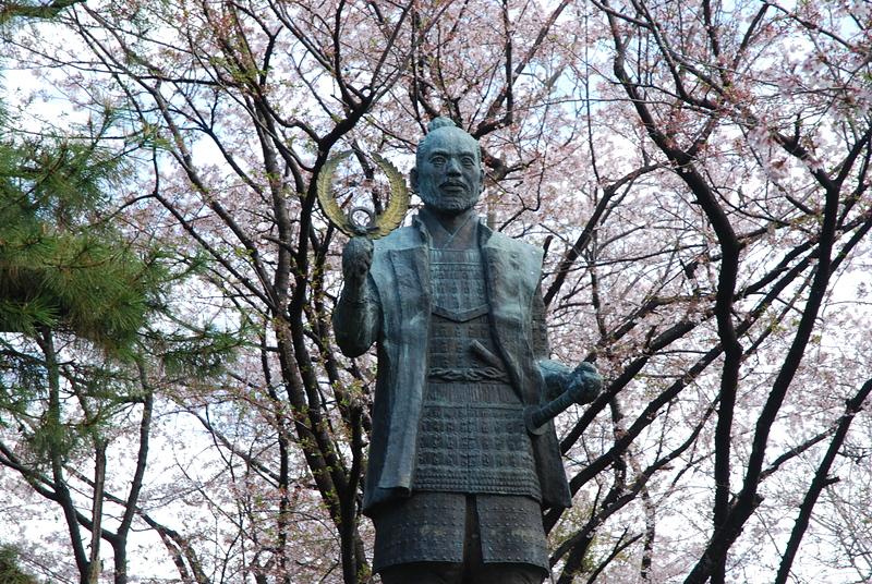 若き日の徳川家康公の銅像[浜松城]