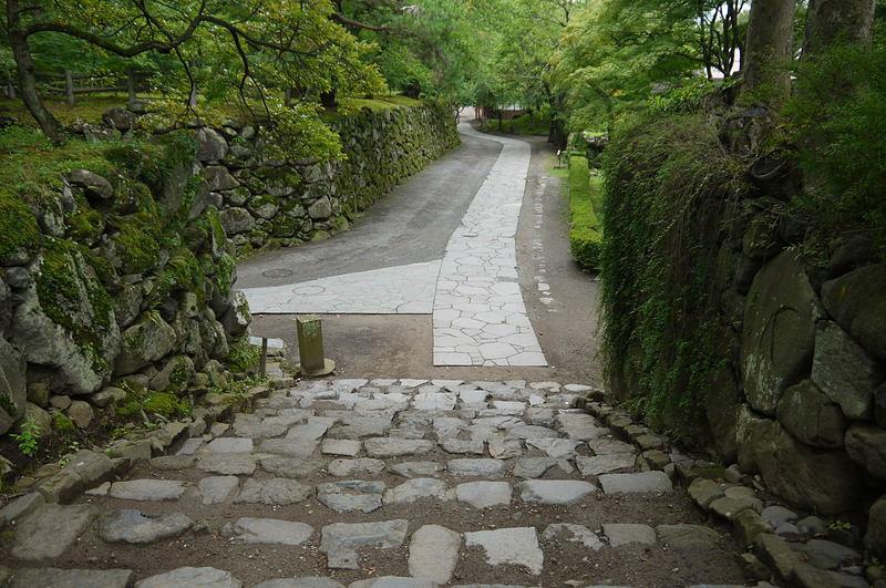 上田合戦の時の徳川の陣 入口石段