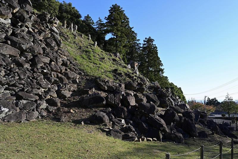 南曲輪の石垣