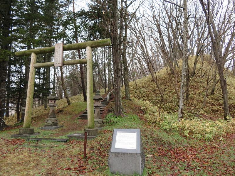 チャシ跡の神社
