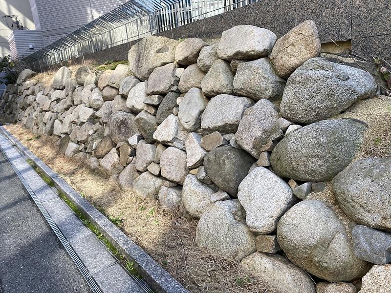 三の丸北端移築石垣