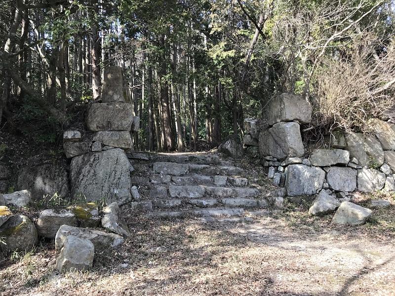 平井丸虎口の石垣[観音寺城]