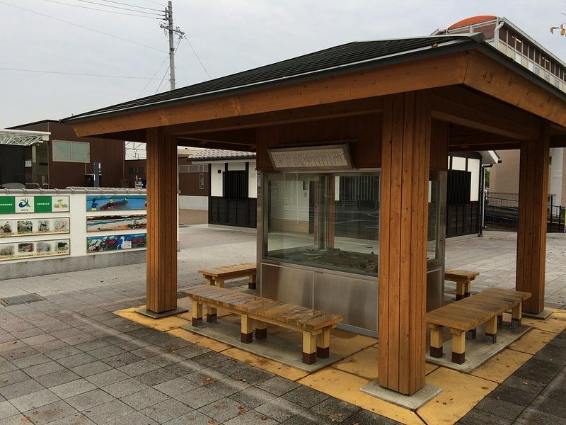 勝幡駅前にある復元模型