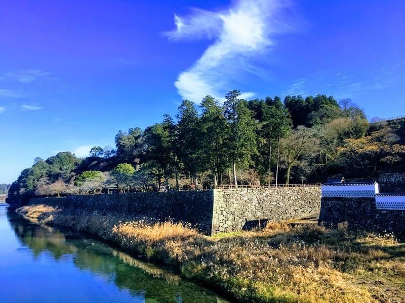 球磨川に面する城址北側[人吉城]