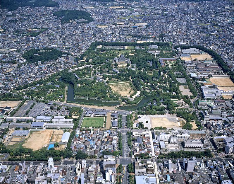 姫路城を中心とした市街地空撮(改修前)