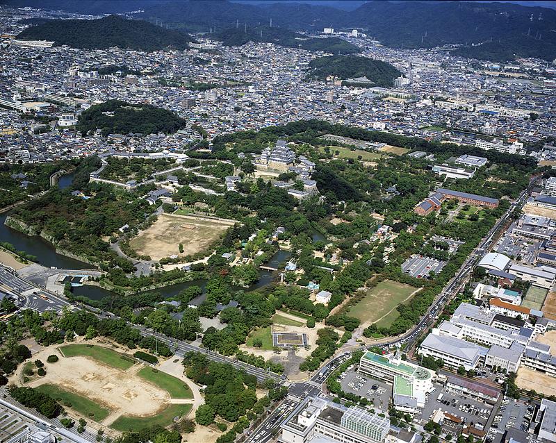 改修前の姫路城空撮