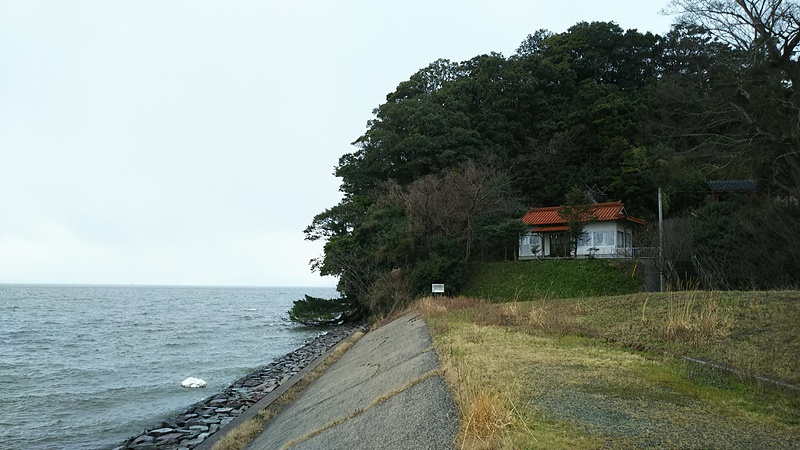 宍道湖と城跡