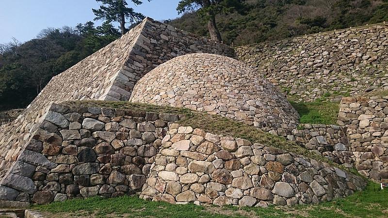 天球丸の巻石垣