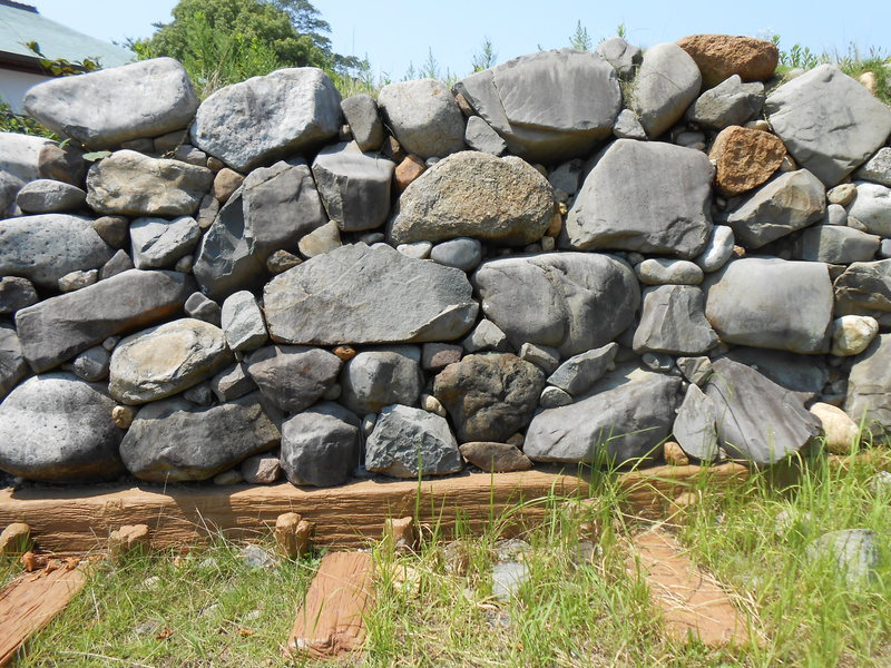 石垣の種類(石の加工技術や積み方、外観による分類) - 攻城団ブログ - お城や歴史のおもしろくてためになる記事がいっぱい!