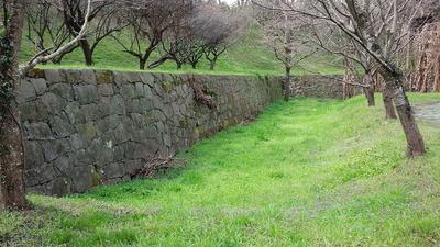 宇土城 本丸 石垣と空堀