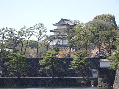 桜田巽櫓付近から富士見櫓を望む