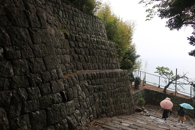 石段と石垣