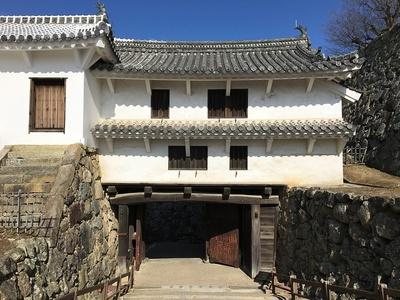 ぬの門(櫓門)