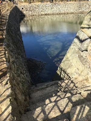 三国堀へ降りる石段