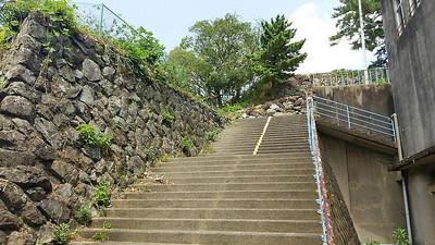 鳥羽小学校の階段