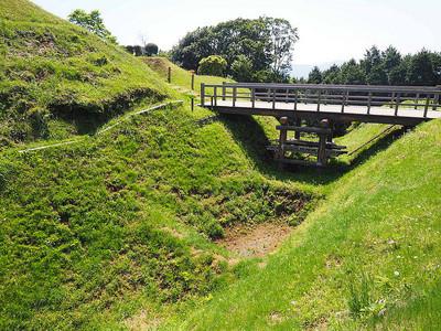 二の丸橋と畝堀