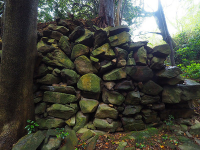 二の丸と三の丸の間にある石垣