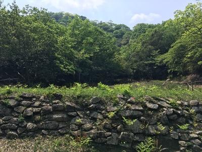 馬立場石塁と貯水池跡