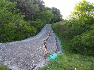 土橋堀切◆本城と二の曲輪
