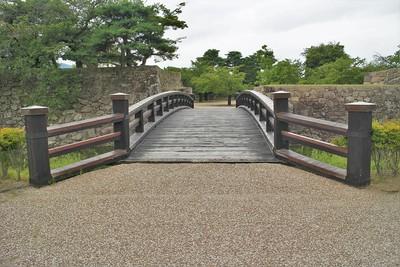 東不明門跡と東不明門前橋(東側)