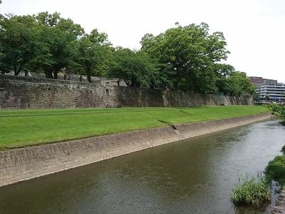 長塀(南側坪井川沿い)