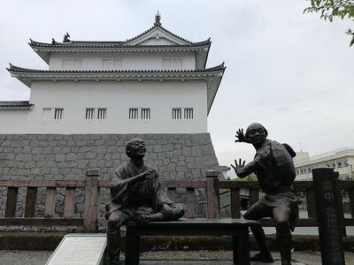 巽櫓と東海道中膝栗毛の弥次さん喜多さん