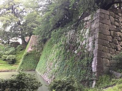 巽櫓跡下の石垣