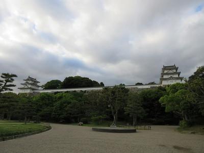坤櫓(左)と巽櫓(右)