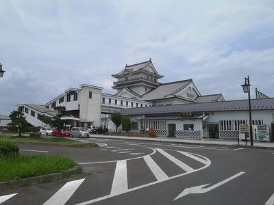 亘理駅と悠里館