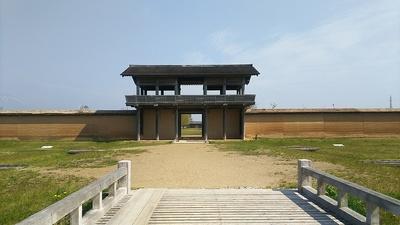 外郭南門と築地塀