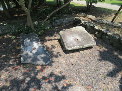 二之丸門跡「かんかん石」