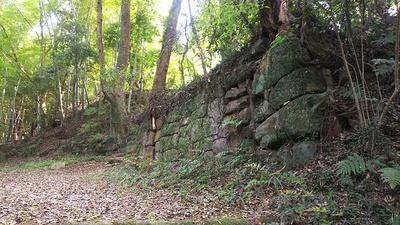 二の丸跡の石垣